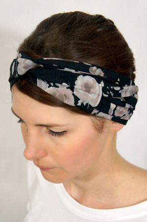 foudre-bandeaux-cheveux-fleurs-noir-3