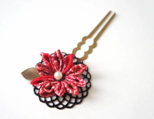 Epingle à cheveux japonaise Kanzashi rouge et noir