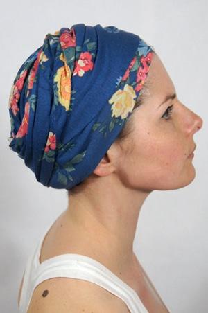 foudre-turbans-motif-fleurs-bleu-tahiti-2