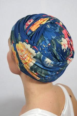 foudre-turbans-motif-fleurs-bleu-tahiti-3