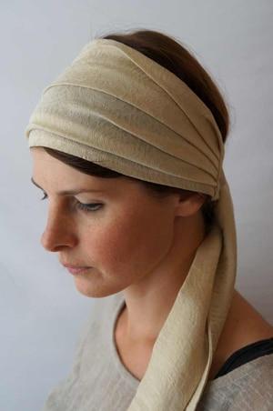 Bandeau à cheveux headband extensible à fleurs beige Foudre