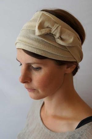 Bandeau à cheveux headband extensible à fleurs beige