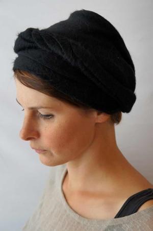 Bandeau à cheveux headband extensible en fausse fourrure noire