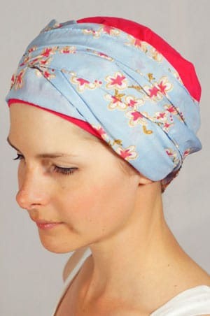 bonnet-foulard-chimiotherapie-fleurs-framboise-2