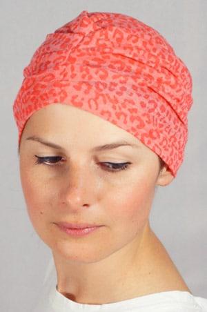bonnet-chimiotherapie-foudre-leopard-corail-pli2
