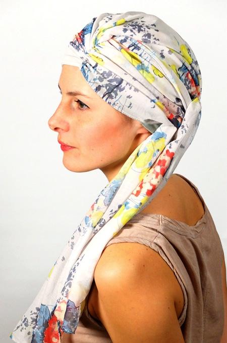 foulard_chimiotherapie_foudre_blanc_fleurs_pastel_melb1