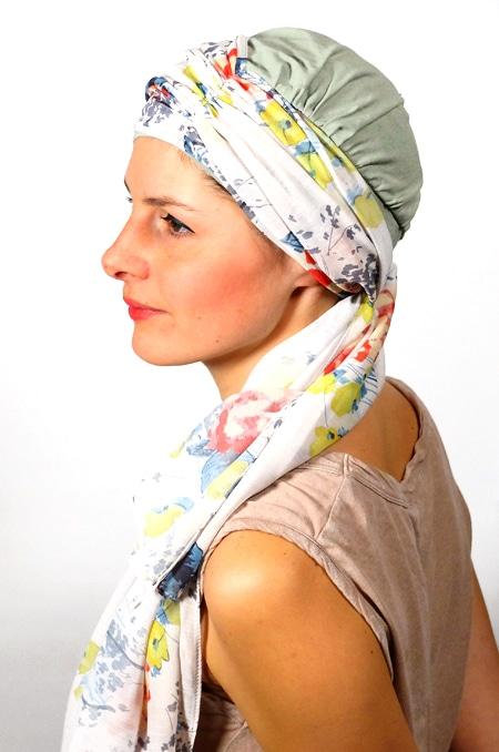 foulard_chimiotherapie_foudre_blanc_fleurs_pastel_melb5