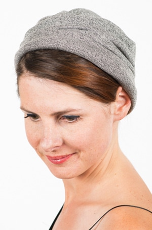 foudre_bonnet_sweat_marin_cach