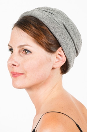 foudre_bonnet_sweat_marin_cach2