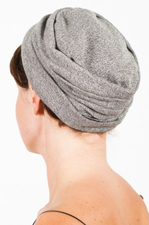 foudre_bonnet_sweat_marin_cach3
