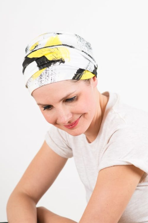 turban_chimiotherapie_elastique_jaune_blanc_4