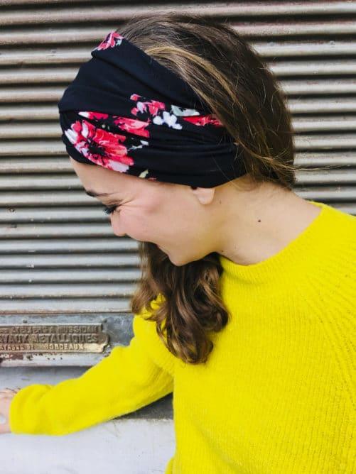 Bandeau à cheveux élastique noir à fleurs rouge de la marque Foudre