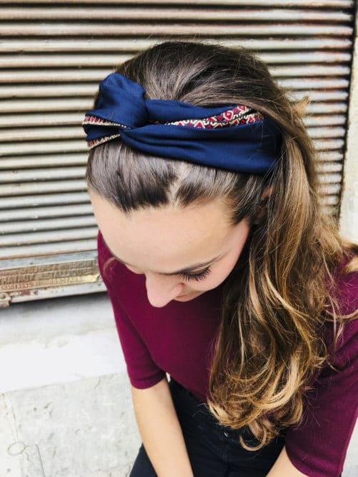 Bandeau à cheveux élastique bleu marine effet turban noué