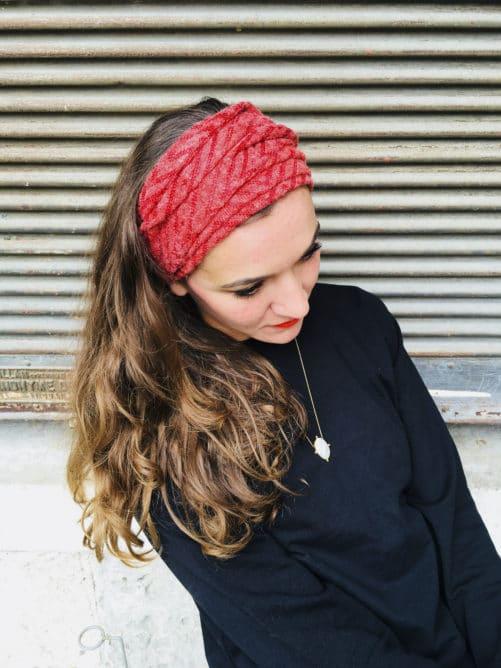 Bandeau à cheveux chaud en maille grenat de la marque Foudre