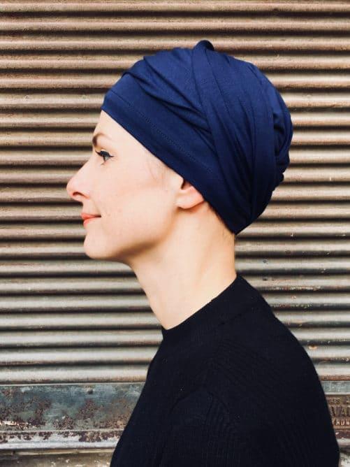 turban-chimiothérapie-foudre-bleu-marine-confortable