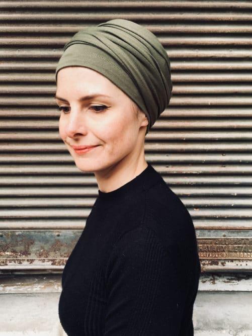 turban-chimiothérapie-foudre-kaki-confortable