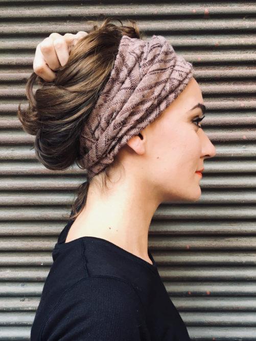 bandeau-a-cheveux-elegant-maille-taupe-doux