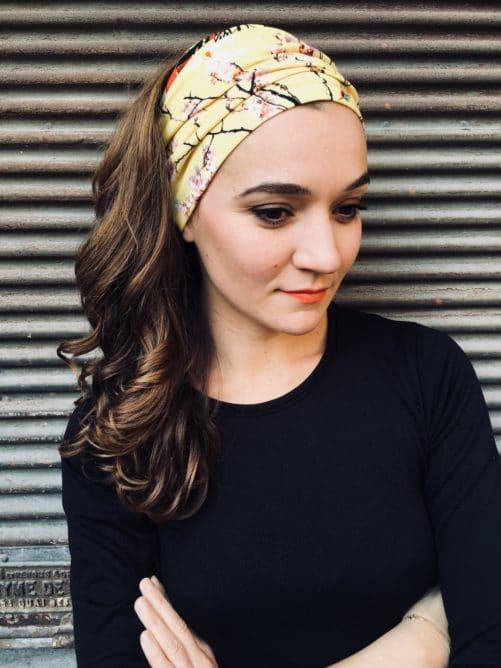 bandeau-a-cheveux-oiseaux-jaune-pour-pelade-alopecie