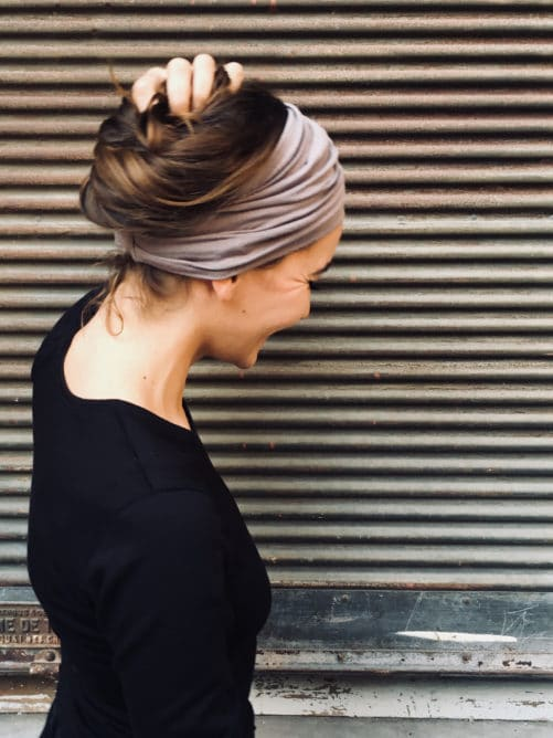bandeau-a-cheveux-a-scratch-taupe-sans-nouage