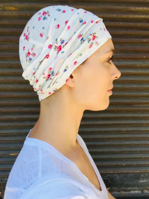 bonnet_chimiotherapie_leger_a_fleurs_foudre