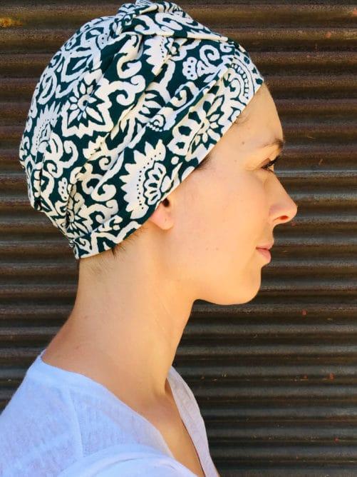 turban-pelade-alopecie-maya-vert-facile-a-mettre