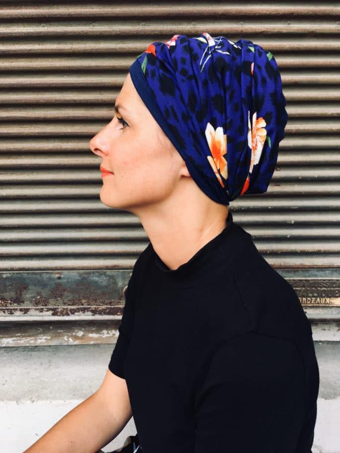 Ensemble de foulards pour chimiothérapie bleu marine à fleurs rouge