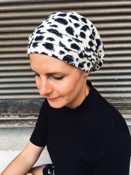 foulard pour chimiotherapie à scratch motif leopard fauve
