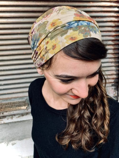 bandeau à cheveux confortable pour pelade fleuri ocre