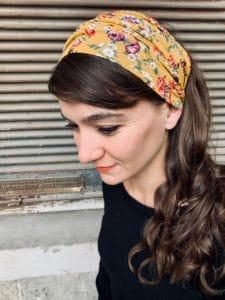 bandeau à cheveux pour pelade et alopécie à fleurs liberty jaune