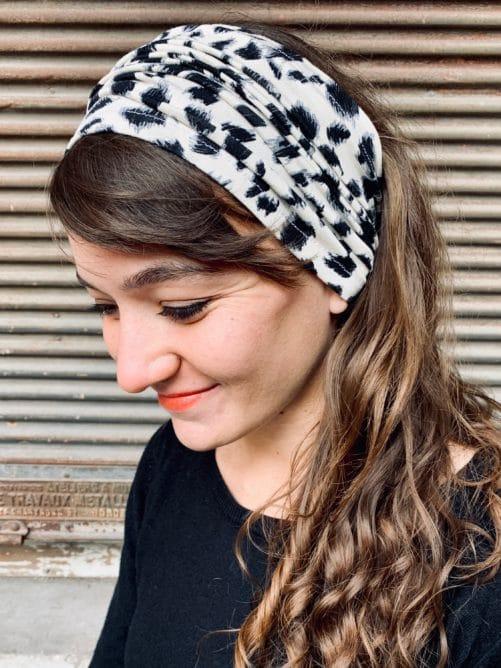 bandeau à cheveux large pour pelade et alopécie motif léopard crème