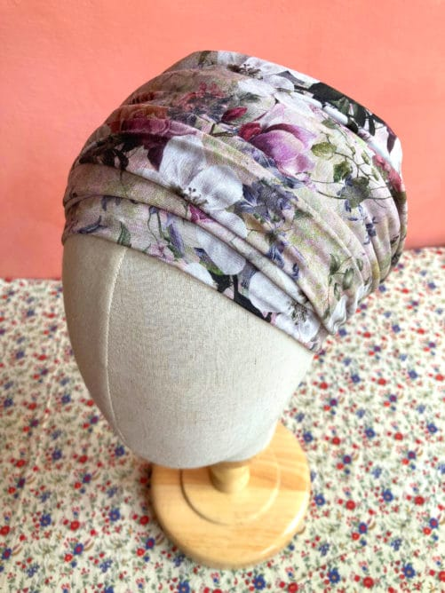 turban-chimiotherapie-fleurs-moore